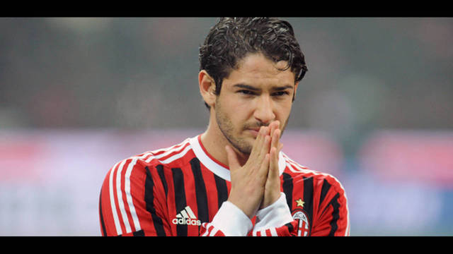 IMG INTERNA ALEXANDER PATO_31511103