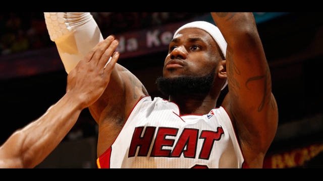 LeBron James_30866351