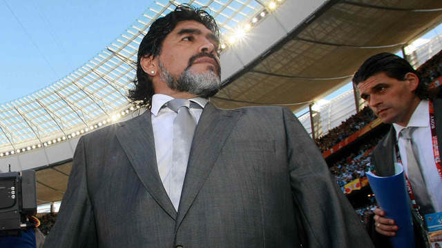 Maradona_1361805106051.jpg
