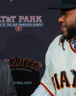 Giants presenta a Johnny Cueto y es recibido por Romo
