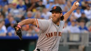 MLB: Madison Bumgarner se accidentó y está en la lista de lesionados