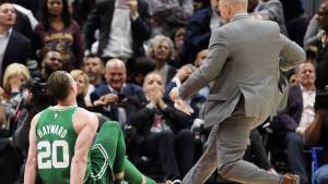 NBA: Terrible lesión y pesadilla para Gordon Hayward en su debut con los Boston Celtics